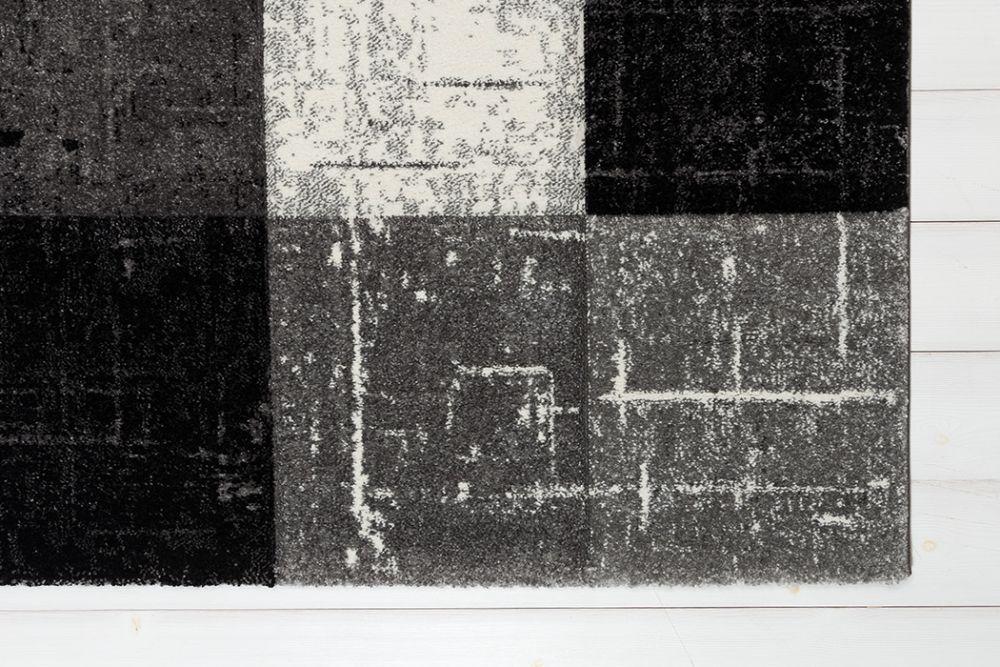 Moody Square Black 133x190