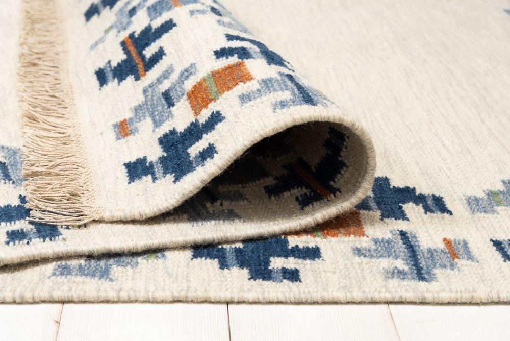 Torö Blue 170x240